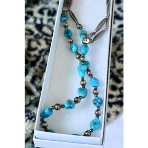 VINTAGE Turquoise Stone Silver Metal Necklace !